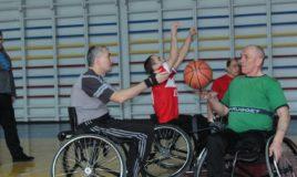 Тренировка по баскетболу в инвалидных колясках 19.02.2017