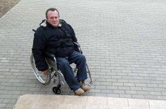Без барьеров. Единственный в Беларуси кандидат в депутаты инвалид-колясочник поборется за мандат с зампрокурора в Светлогорске