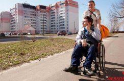 Соседи против. Инвалид-колясочник не может установить в подъезде подъемник