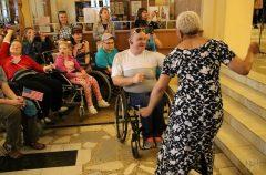 Джаз объединяет: Myrna Clayton для областной библиотеки