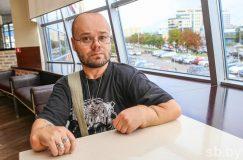 Житель Смолевичского района встал на ноги после 20 лет в коляске