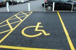 В Беларуси появятся новые дорожные знаки и дополнительная разметка на стояночных местах для водителей-инвалидов