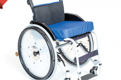 Белорусский протезно-ортопедический восстановительный центр начал выпуск новой модели кресла-коляски активного типа